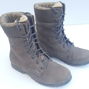 Womens Leather Boots (7) Cat by Caterpillar NICE!